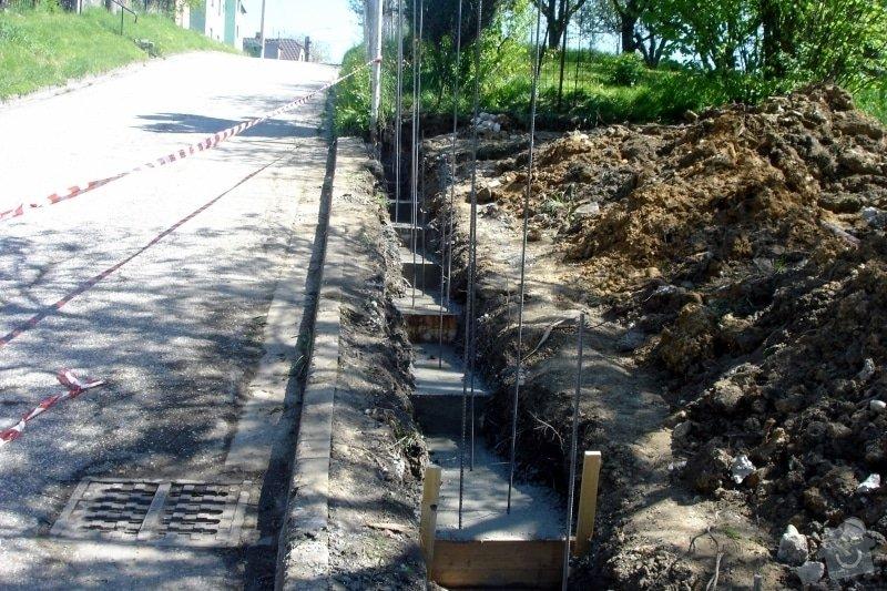 Stavba zděného plotu: DSC08291