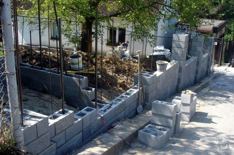 Stavba zděného plotu: DSC08432