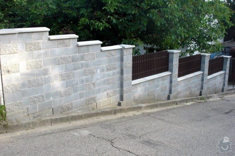 Stavba zděného plotu: DSC08543