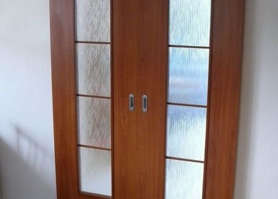 Kompletní dodávka interiérových dveří a obložkových zárubní vč.kování do RD