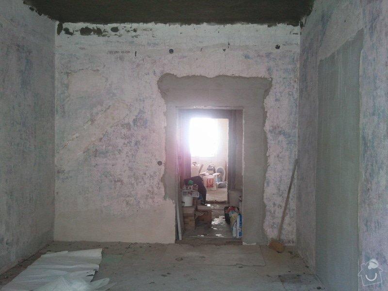 Renovace starých popraskaných omítek, stropů, štukování, 2 místnosti: Fotografie005