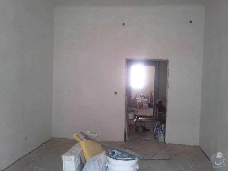 Renovace starých popraskaných omítek, stropů, štukování, 2 místnosti: Fotografie015