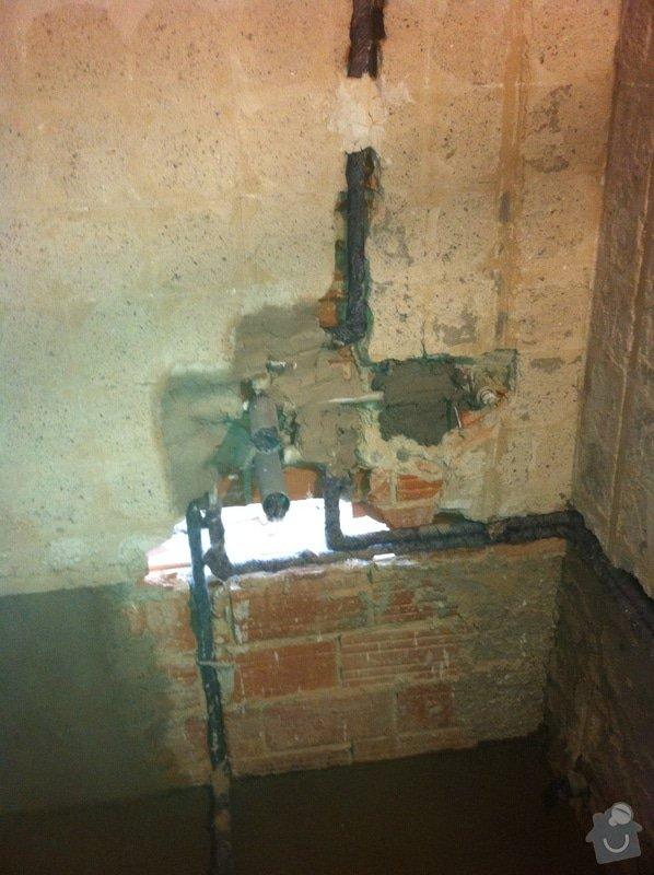 Rozvody vody, odpadů, topení, plynu v bytě: IMG_0546