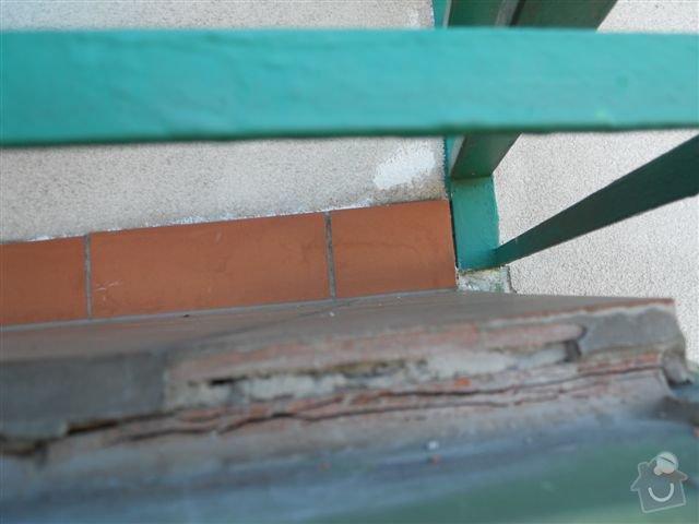 Kompl. rekonstrukce povrchu balkónu ca 8 m2, oprava nátěru kovového zábradlí: praskajici_spodni_dlazba_vych._okraj