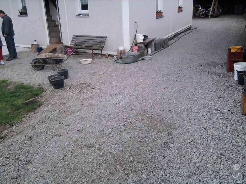 Zámková dlažba a zídky z KB bloku. : Fotografie0849