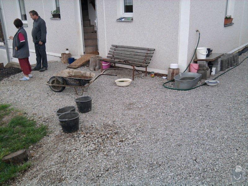 Zámková dlažba a zídky z KB bloku. : Fotografie0850