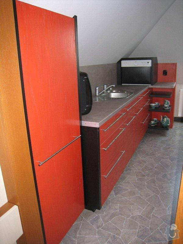 Kuchynská linka do podkroví: IMG_3811