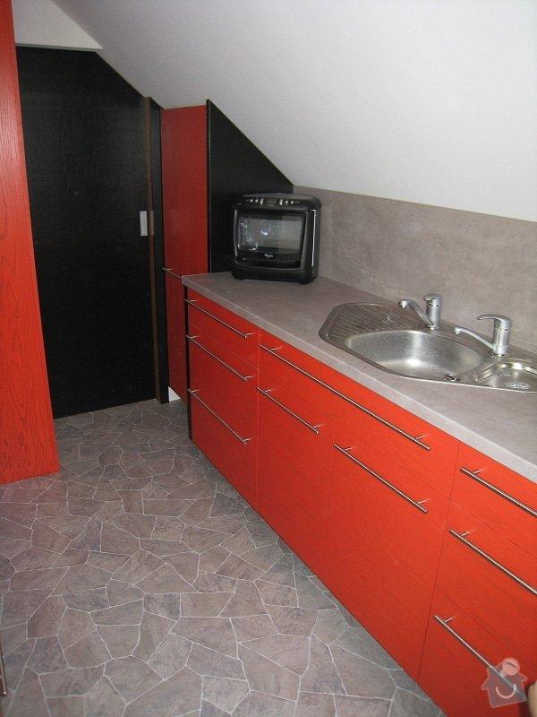 Kuchynská linka do podkroví: IMG_3813