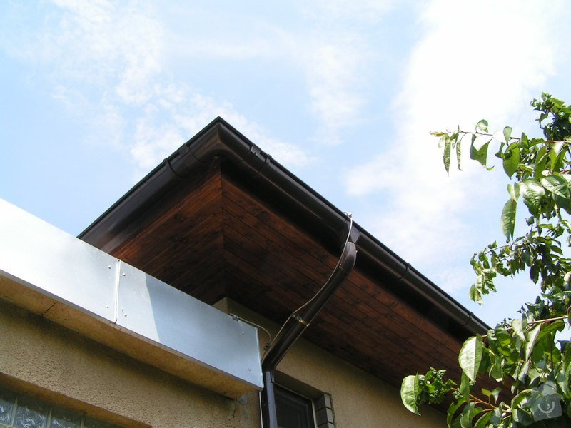 Podbití střechy palubkami: PICT0235