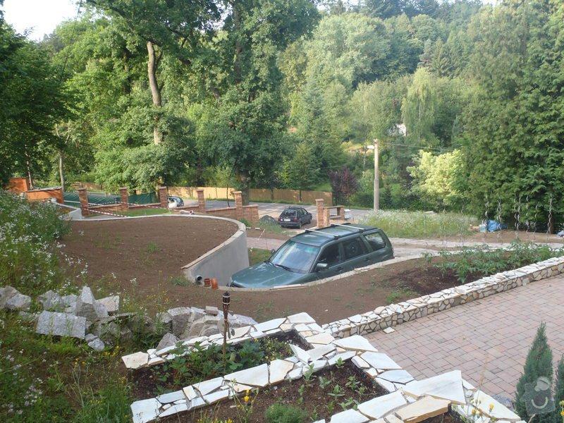Postupná kompletace zahrady: P6250393