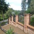 Postupna kompletace zahrady p7100729