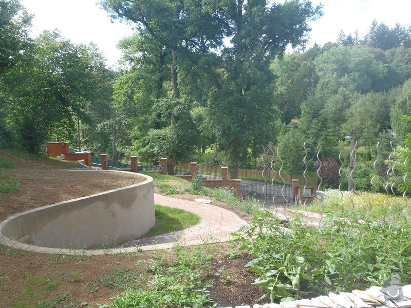 Postupná kompletace zahrady: P7100733