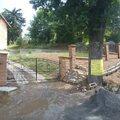 Postupna kompletace zahrady p7100725
