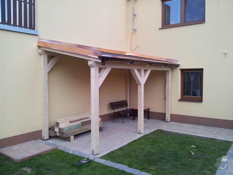Výstavba pergoly - zastřešeného stání: 2011-07-09_20.24.52