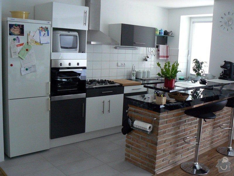 Nástavba na rodinný dům, samostatná bytová jednoka 3+KK s podlahovou plochou 100 m2: P1030502_R