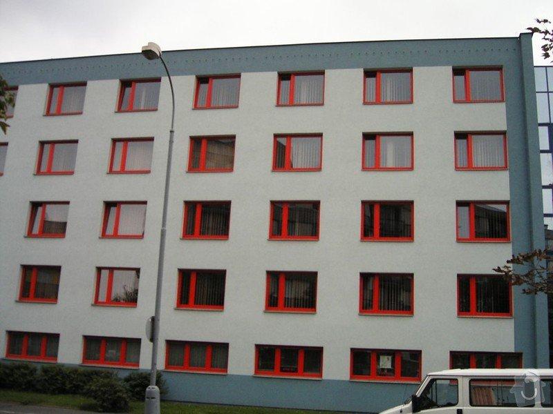 Lakování (nástřik, stříkání) profilů (tyčí) plastových oken: KIF_1546