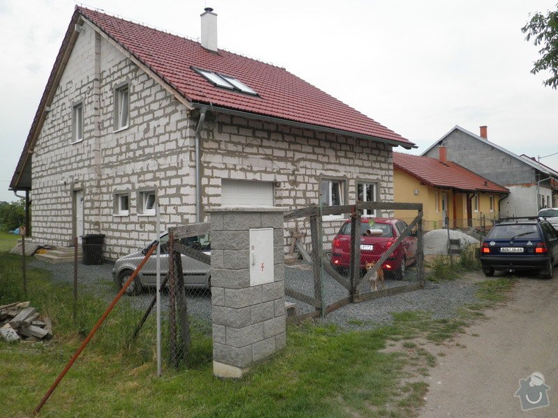 Zhotovení fasády tzv. na klíč včetně podbednění štítů a verandy bez zateplení.: P5200960