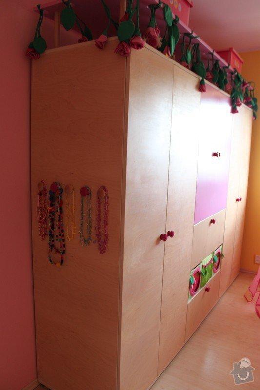 Dětský pokoj: Skrin_bok