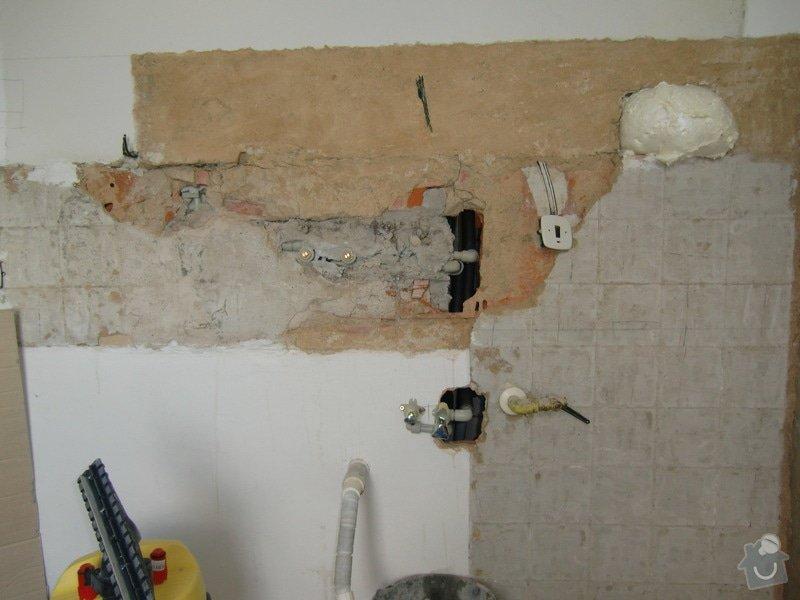 Obklad kuchyňské linky: vyvedeni_vody_pro_drez