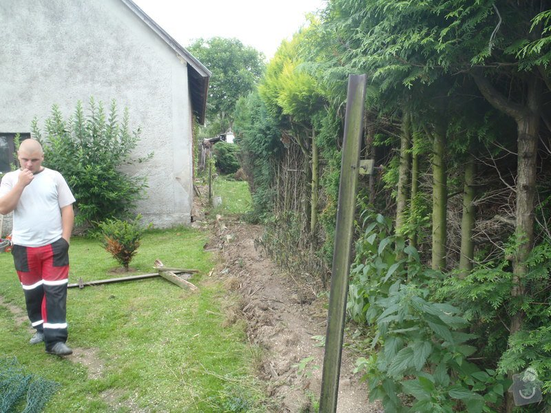 Stavba plotů a podezdívky,pokládka zámkové dlažby: P7200068