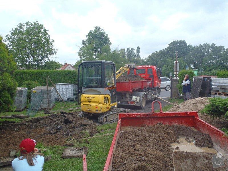 Stavba plotů a podezdívky,pokládka zámkové dlažby: P7220085