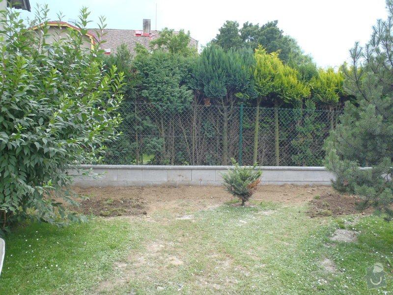 Stavba plotů a podezdívky,pokládka zámkové dlažby: P7280167