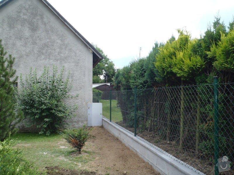 Stavba plotů a podezdívky,pokládka zámkové dlažby: P7280168
