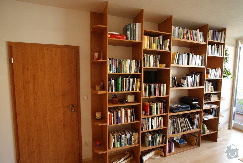 Vestavěná skříň, knihovna, postel, psací stůl, věšáková stěna a další nábytek: DSC00078