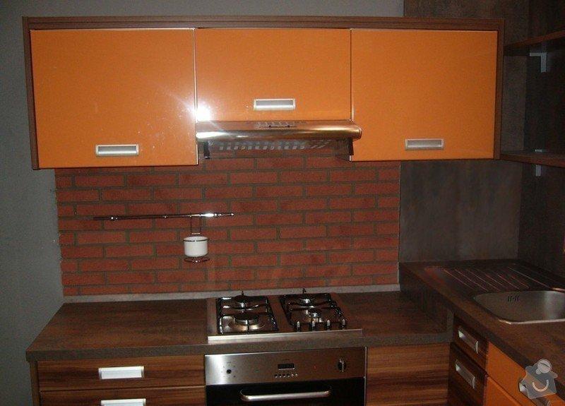Lakování (nástřik, stříkání) dvířek kuchyňské linky: P1000527