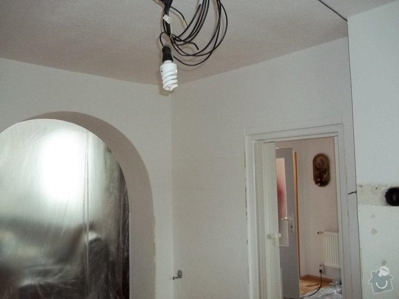 Snížený strop a lepené stěny: 104_0481