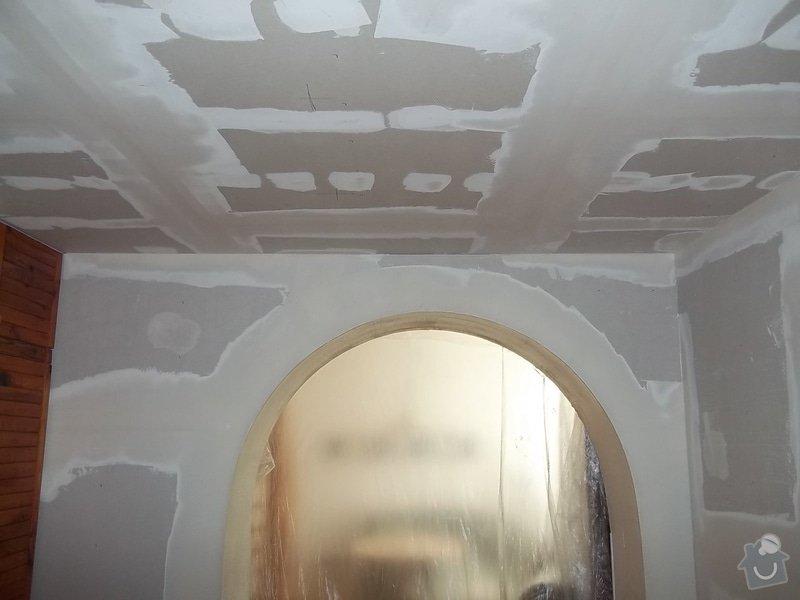 Snížený strop a lepené stěny: 104_0485