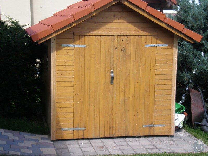 Opravit rozjíždějící se domek: P8120001