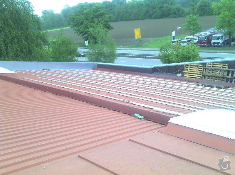 Montáž fotovoltaciké elektrárny v Raublingu: 2011-05-03_16-25-40_383