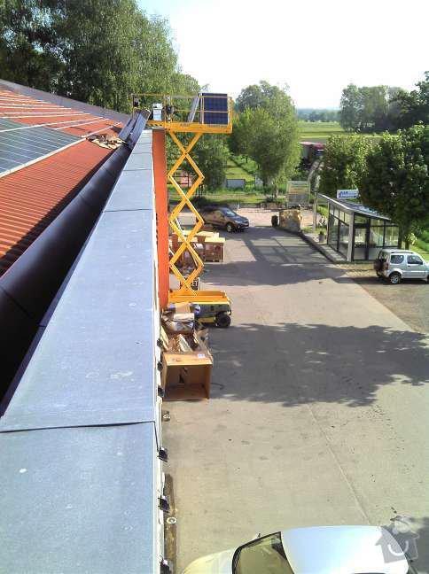 Montáž fotovoltaciké elektrárny v Raublingu: 2011-05-06_08-45-46_488