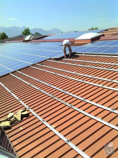 Montáž fotovoltaciké elektrárny v Raublingu: 2011-05-06_12-05-50_922