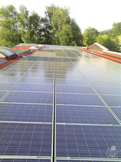 Montáž fotovoltaciké elektrárny v Raublingu: 2011-05-06_18-26-05_552