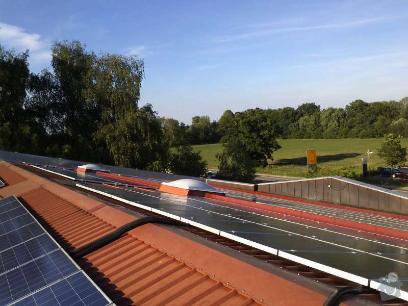 Montáž fotovoltaciké elektrárny v Raublingu: IMG089