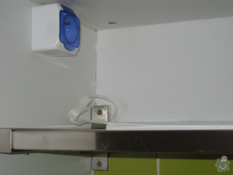 Oprava elektoinstalace po neodbornem zakroku: IMG_1881