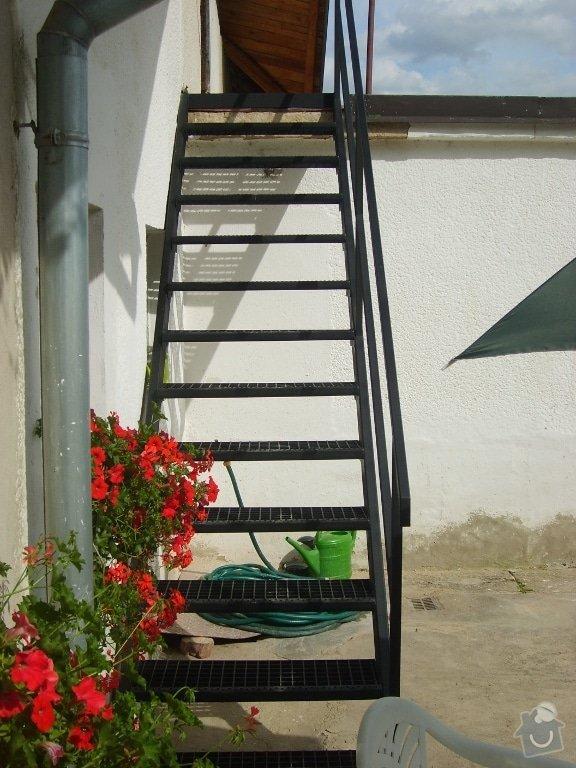 Jednoduché venkovní schodiště: S6005402_small_po