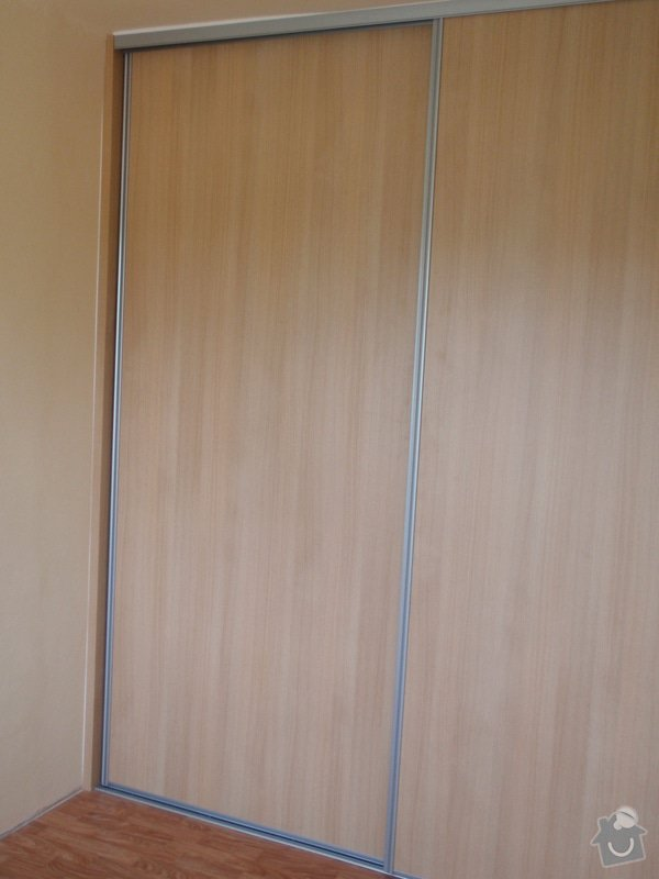 Výroba a montáž vestavěné skříně : P8051616