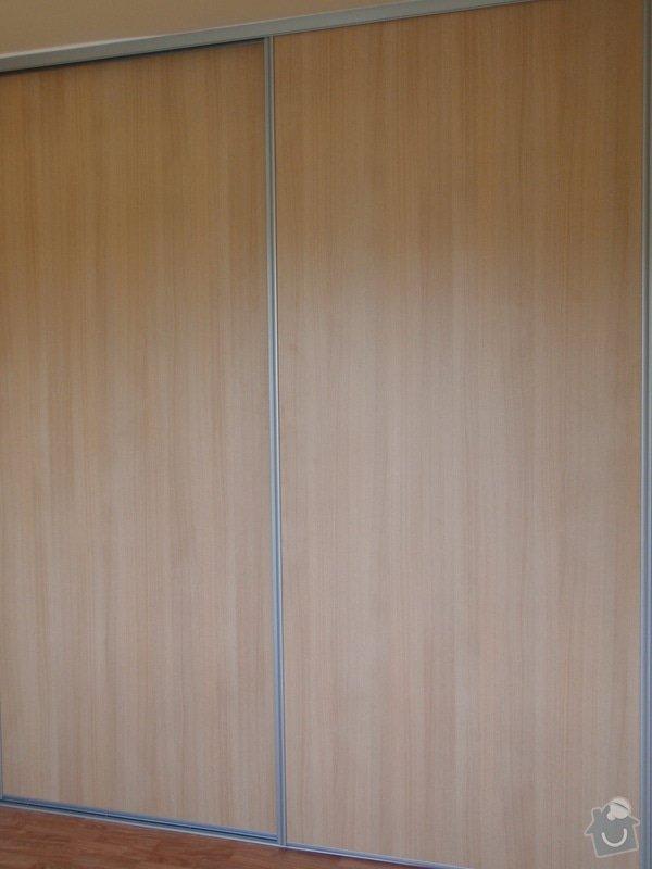Výroba a montáž vestavěné skříně : P8051618