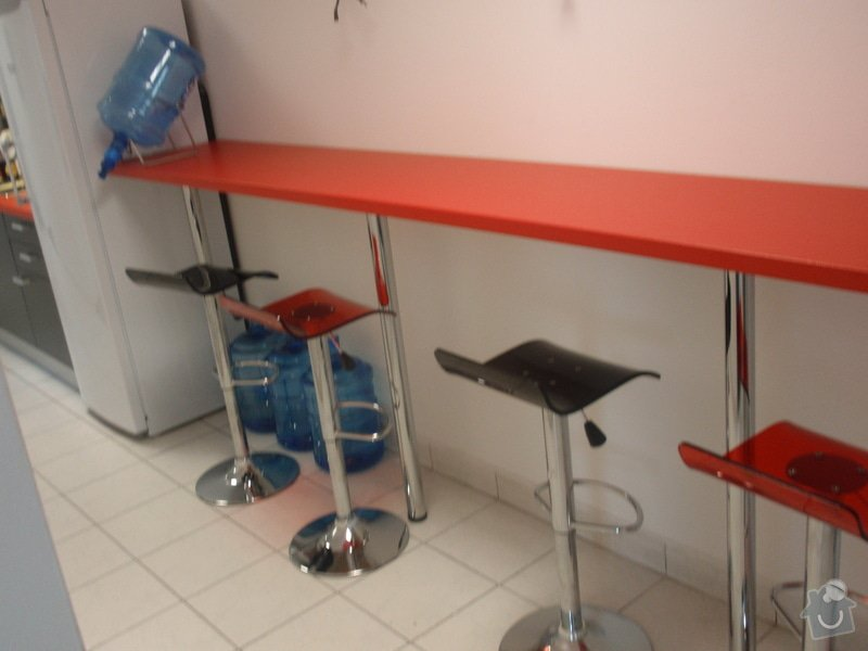 Výroba a montáž kancelářského nábytku + jednacích stolů: P5061542