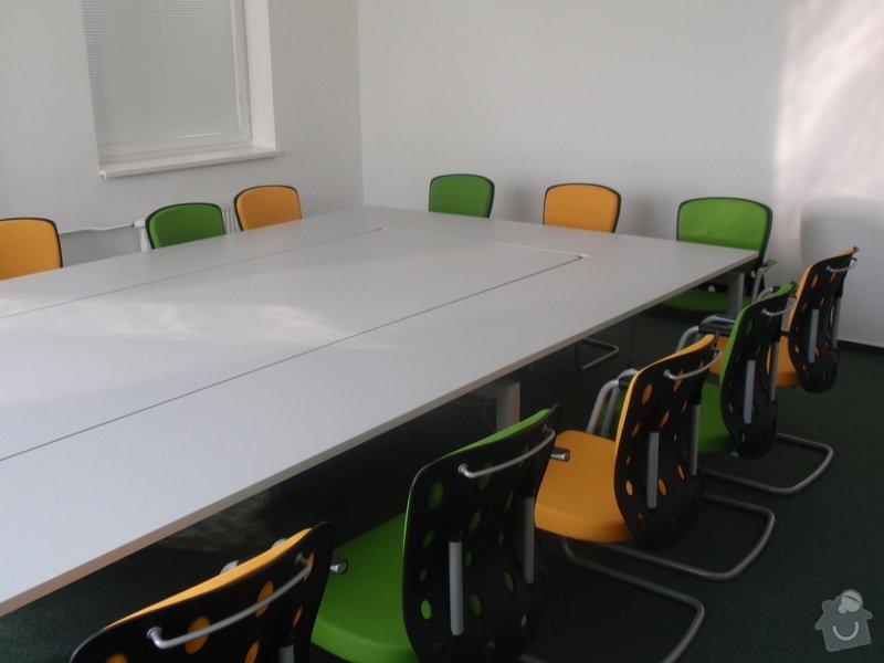 Výroba a montáž kancelářského nábytku + jednacích stolů: P5061546