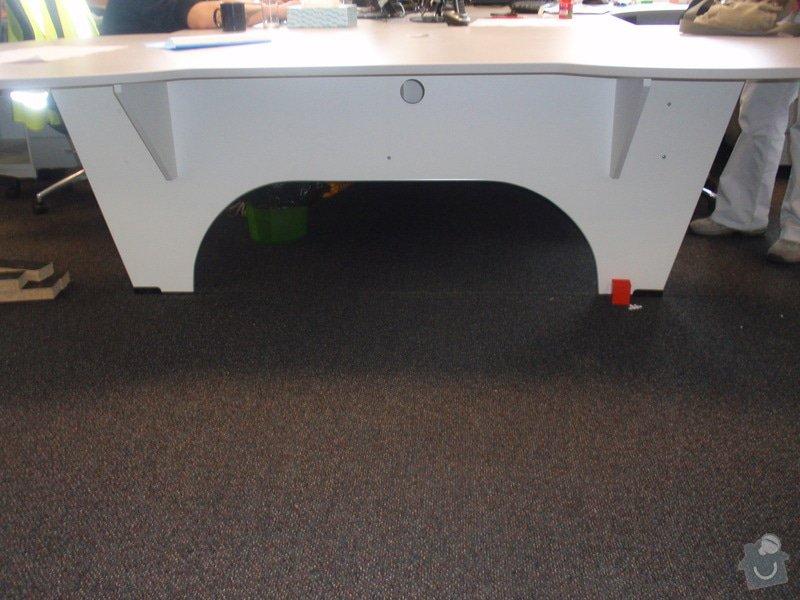 Výroba a montáž kancelářského nábytku + jednacích stolů: P5171558