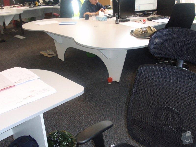 Výroba a montáž kancelářského nábytku + jednacích stolů: P5171559