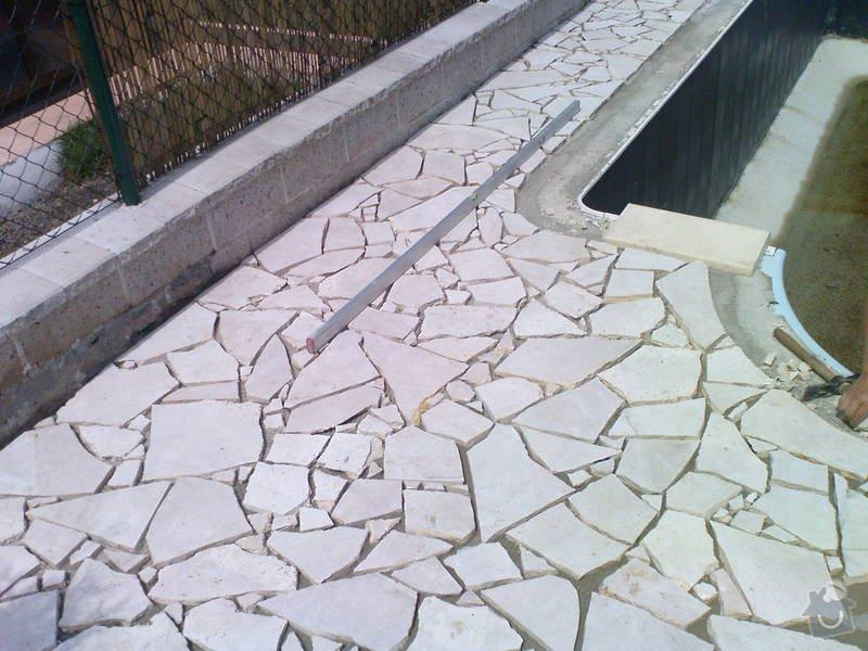 Zhotovení terasy a pokládka divokého travertinu: DSC00237