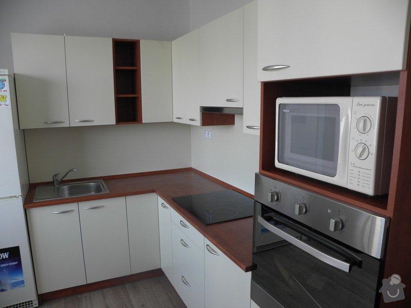 Rekonstrukce bytového jádra, výroba kuchyňské linky: P6287219