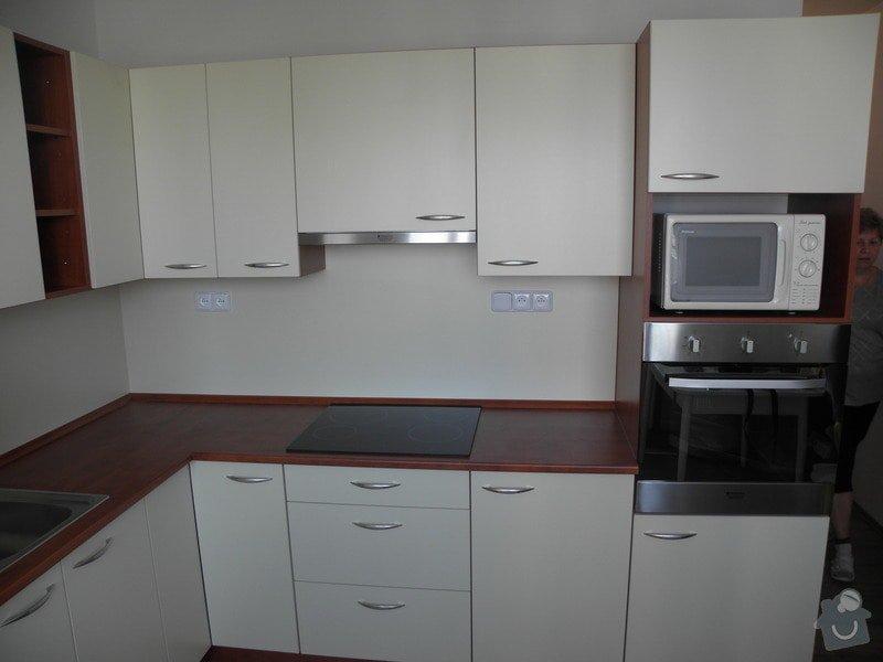 Rekonstrukce bytového jádra, výroba kuchyňské linky: P6287221