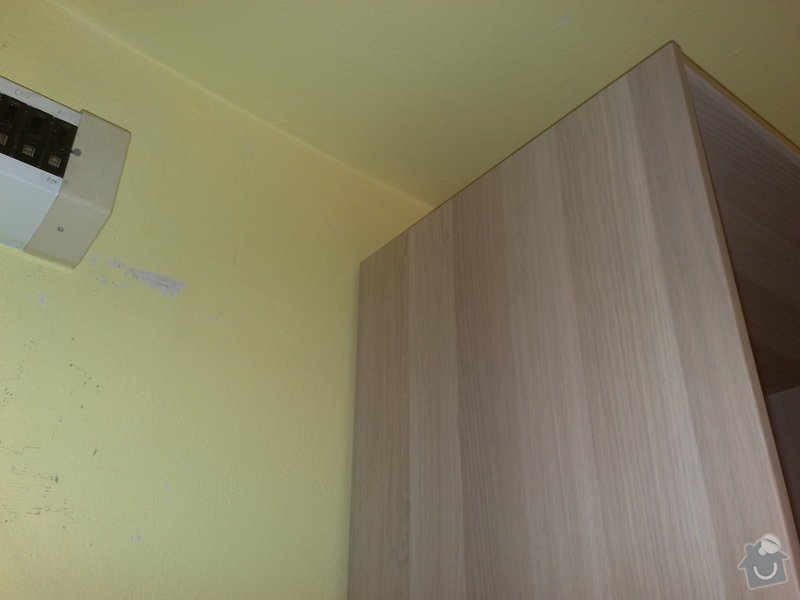 Přemístění skřínky s jističi, úprava elektroinstalace: 21082011107