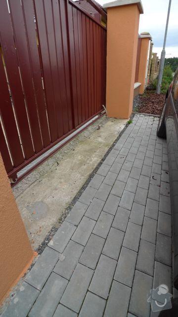 Renovace a pokládka dlažby na dvůr a okolní plochy RD: P1020441